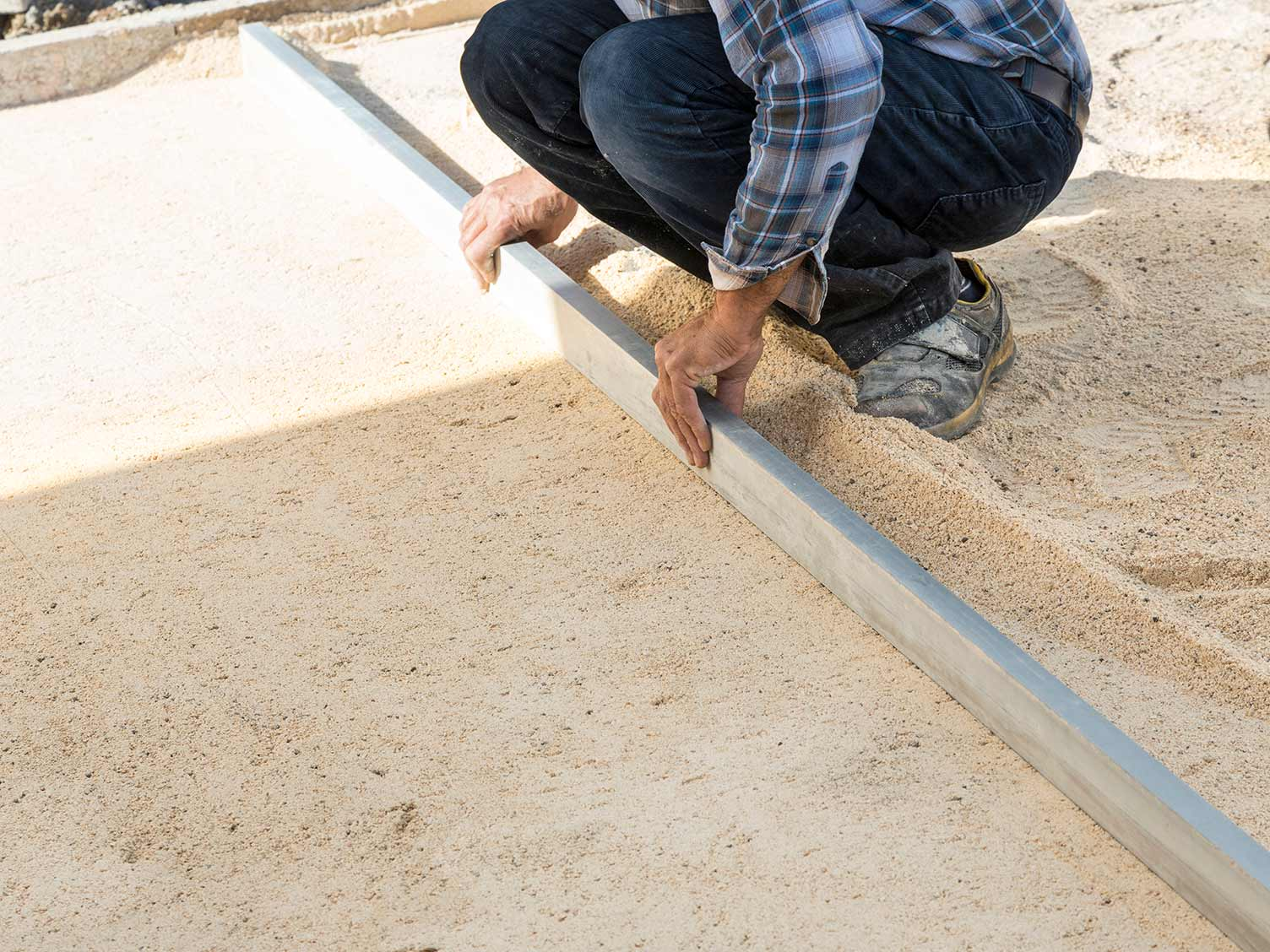 Laying the bedding mortar
