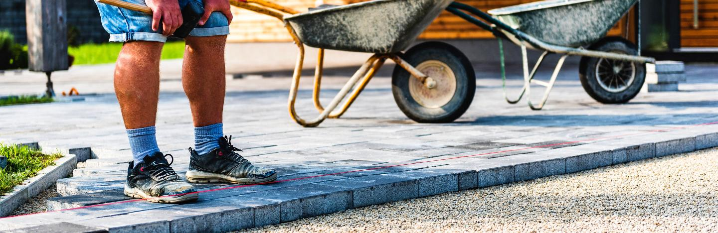 How to lay a patio and paving slabs