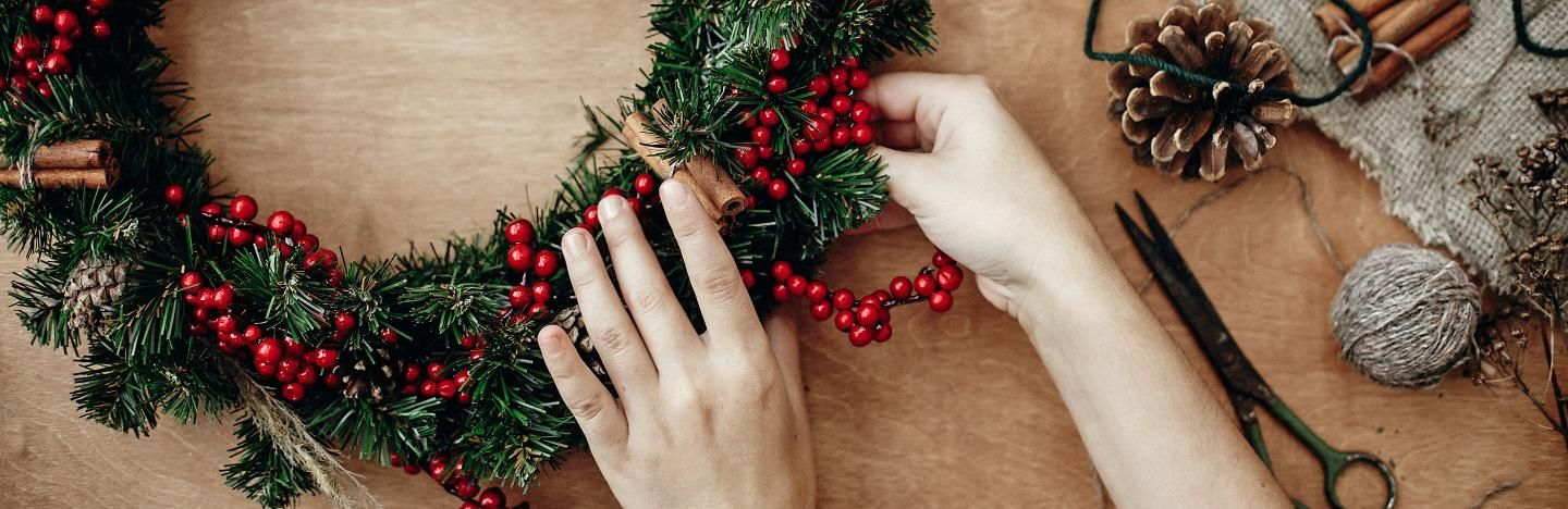 Make your own Christmas holly wreath