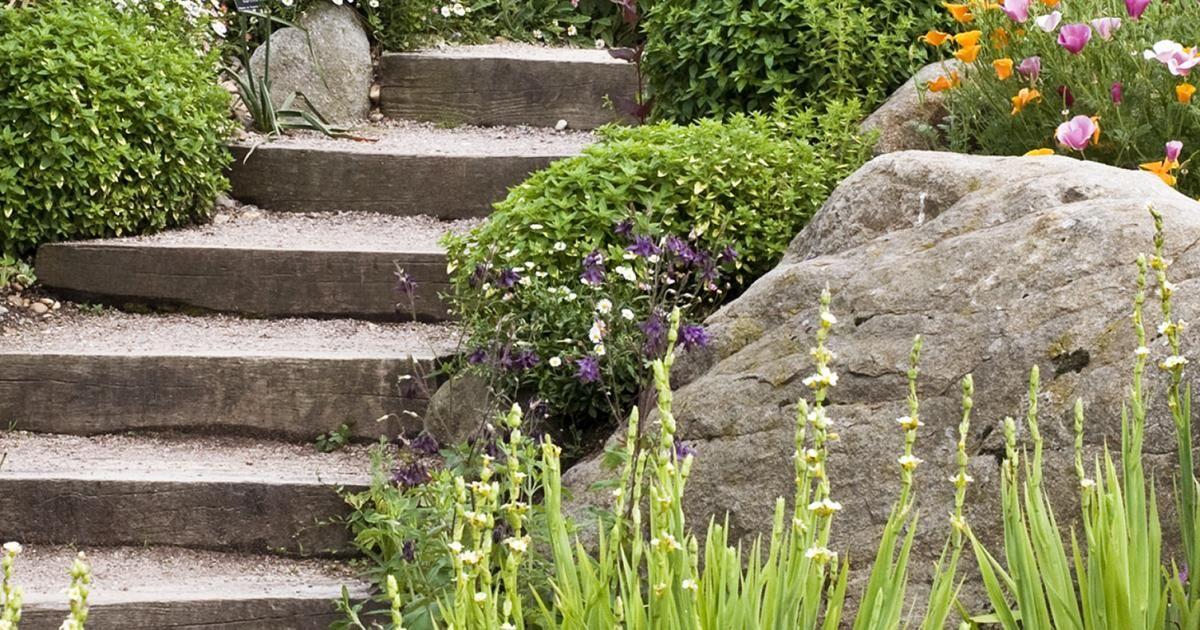 Un Jardin En Pente Agencer Et Amenager Un Jardin En Pente